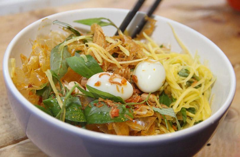 banh-trang-tron-vietnam-street-food