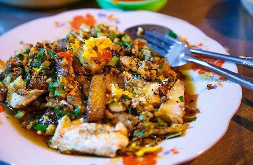 bot-chien-vietnam-street-food