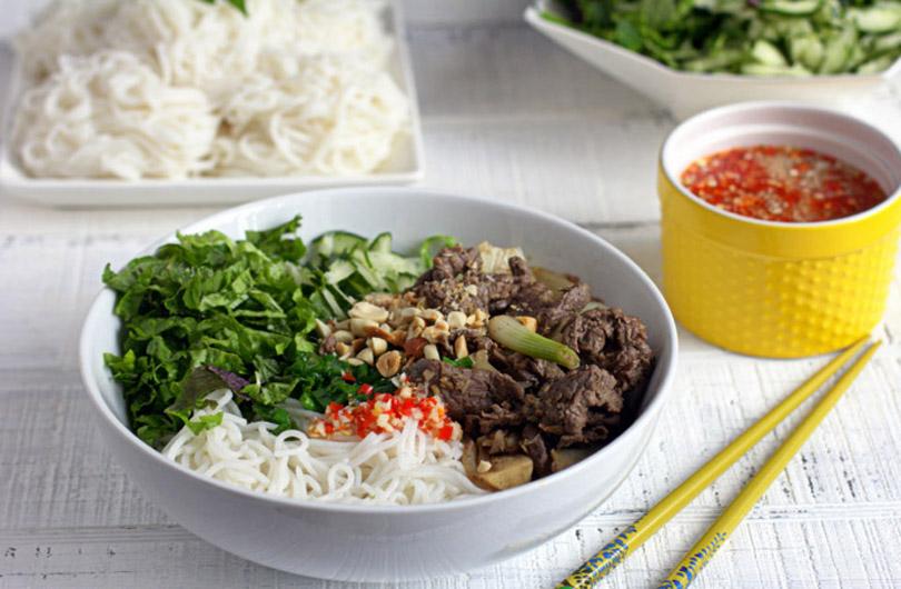 bun-xao-vietnam-street-food