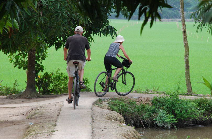 Cai Be Floating Market and Island Biking