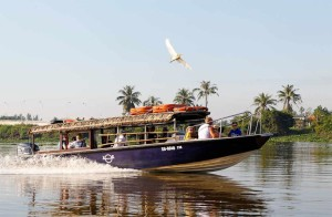 Cu Chi Tunnels Tour By Luxury Speedboat