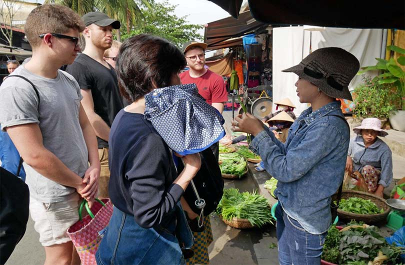 Hoi An Walking Tour and Cooking Class