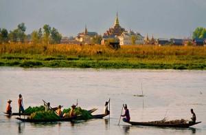 myanmar-sagaing-river-village