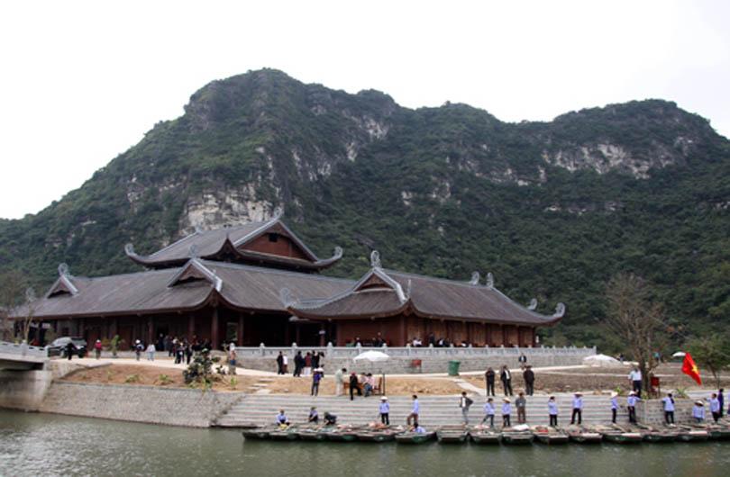 Bai Dinh Pagoda and Trang An Grottoes