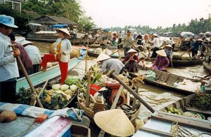 vietnam-can-tho-floating-market-02