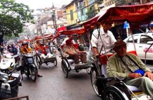 vietnam-cyclo-hanoi-old-quarter