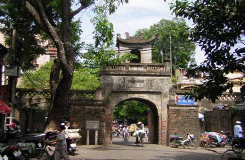 Hanoi and Ancient Ceramic Village Bat Trang
