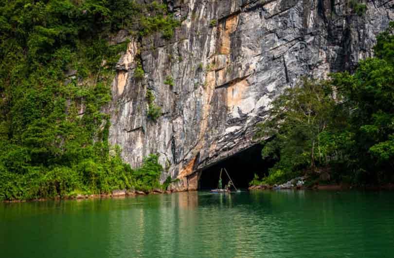 Vinh Moc Tunnels and Phong Nha Cave