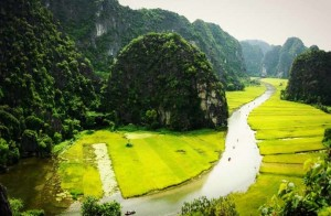 Hoa Lu Temples and Tam Coc Boat Ride
