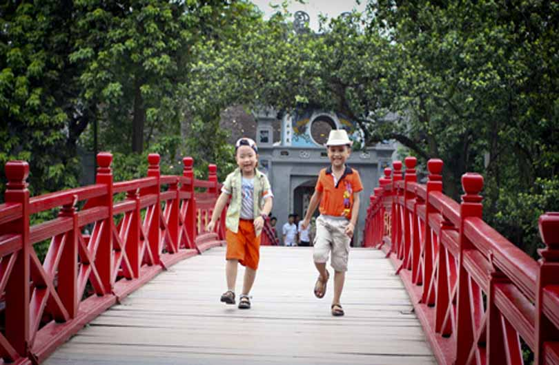 A Day in Hanoi With Family