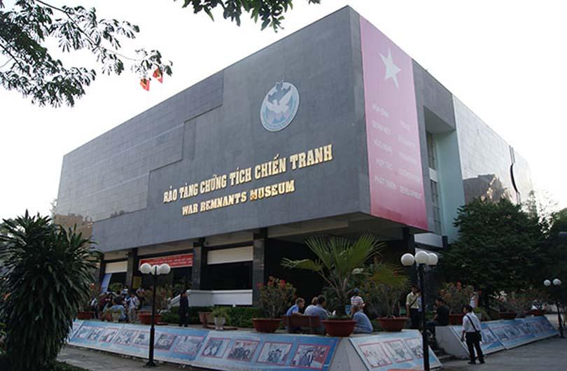 Saigon Must-See Spots Walking Tour