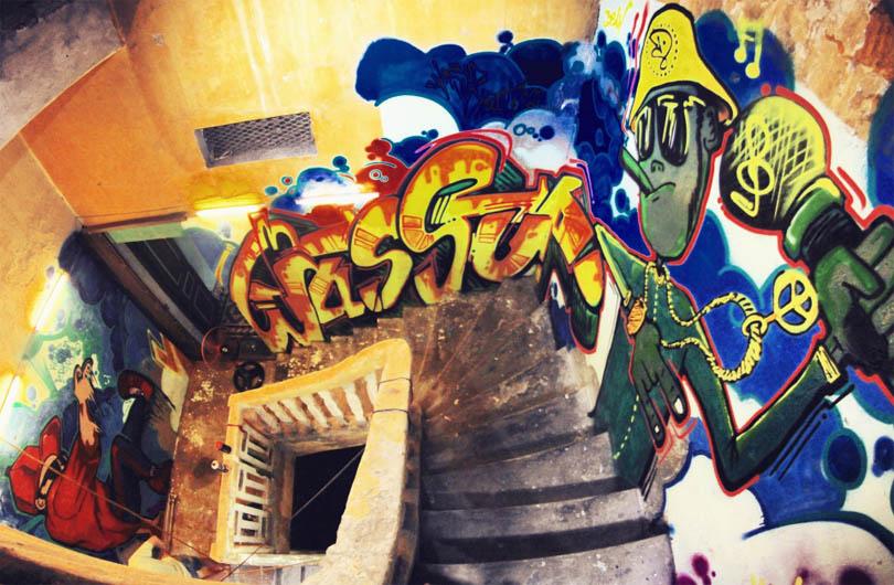 Hanoi Graffiti and Street Art Tour
